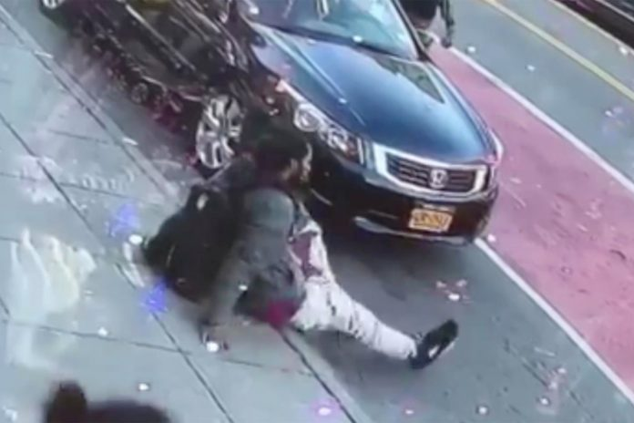 Man killed, woman wounded in Bronx stabbing attack