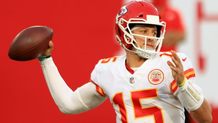 Patrick Mahomes evens the score with Tom Brady in Round 4, paving own path toward GOAT
