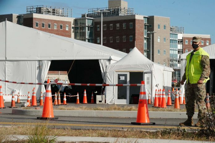 Staten Island COVID-19 field hospital opens, accepts first patient