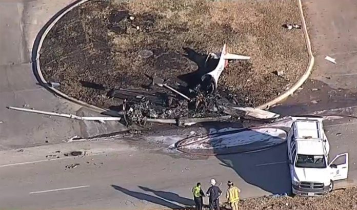 2 people dead post small passenger plane crashed after takeoff near Dallas