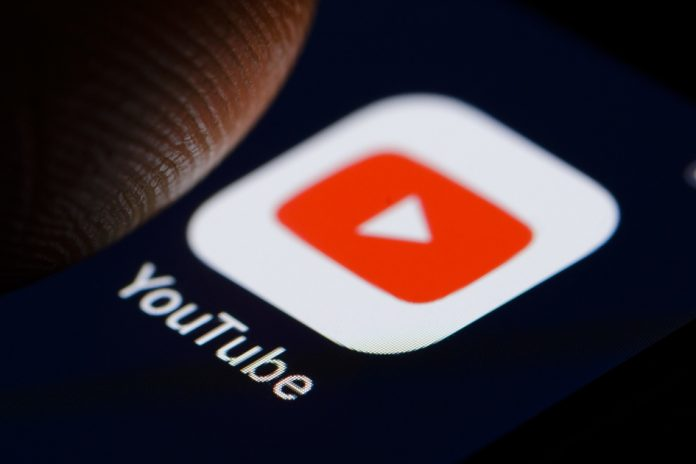 YouTube tests a way for synchronizing downloads across multiple devices